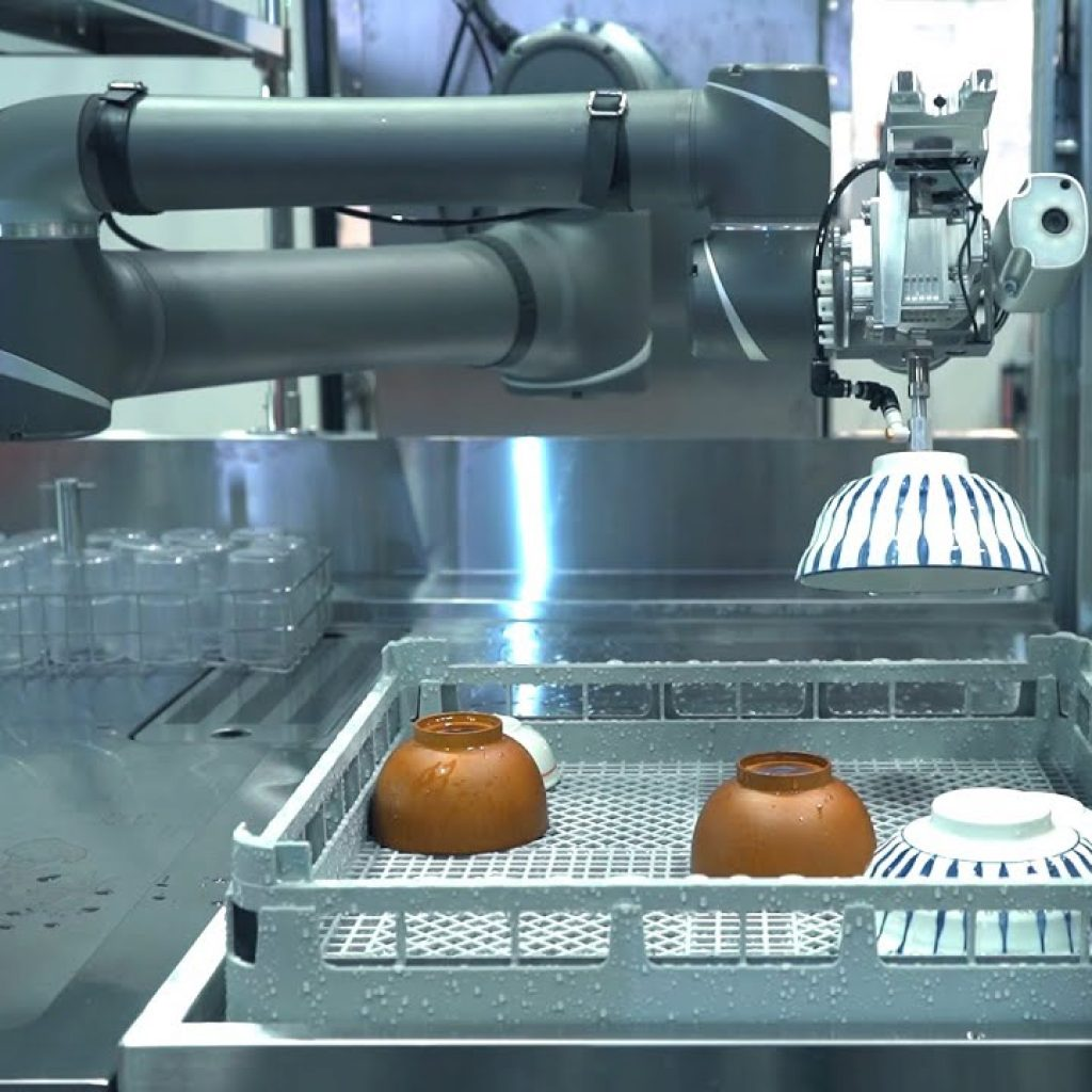 TM robot in food service and restaurant industry